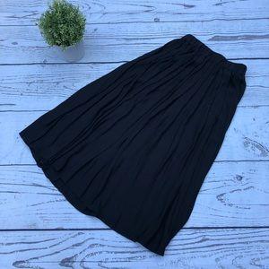 NWT H&M Midi Black flowy skirt- size 4